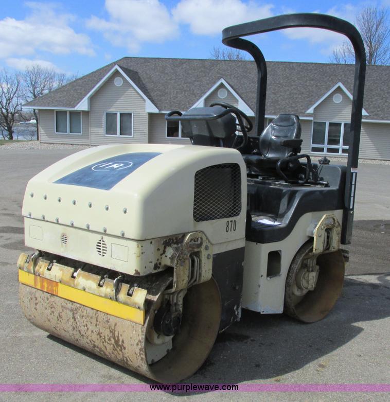 A8522.JPG - 2004 Ingersoll Rand DD24 vibratory roller , 1,383 hours on meter , Kubota V1903 engine , 31 kW , 47 ...