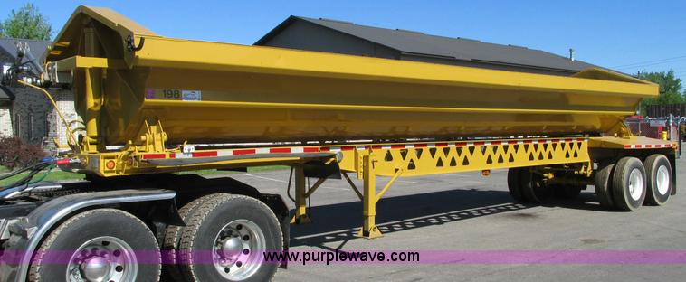 E5141.JPG - 2000 Trail King 39 side dump trailer , Model TK6D55D 392 , 34L bunk , Dual compartment bunk , Dual s...