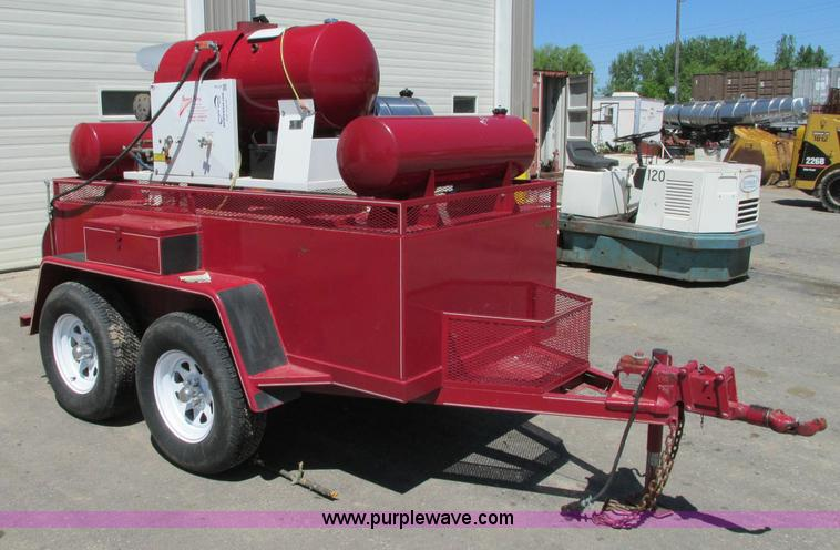 E5143.JPG - Speed King 5030DPD pressure washer trailer , Kubota D722E diesel engine , 2 diesel , Detergent tank ...