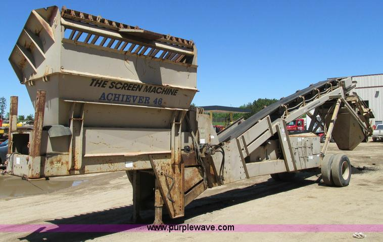 E5144.JPG - Screen Machine Achiever 46 screen plant , 1,374 hours on meter , Perkins diesel engine , Type 207172...