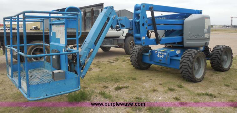 H3138.JPG - 2008 Genie Z 45/25 boom lift , 778 hours on meter , Deutz three cylinder air cooled diesel engine , ...