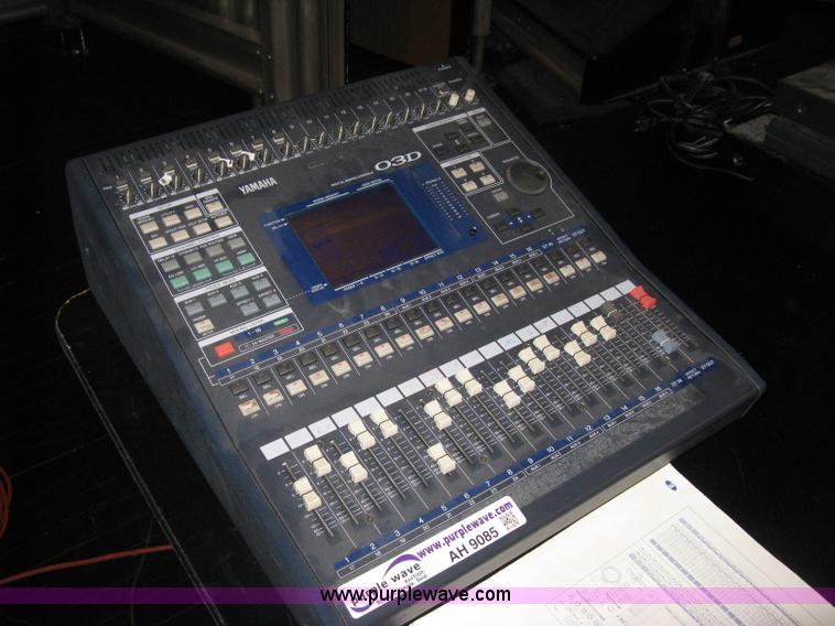 yamaha 03d digital mixing console