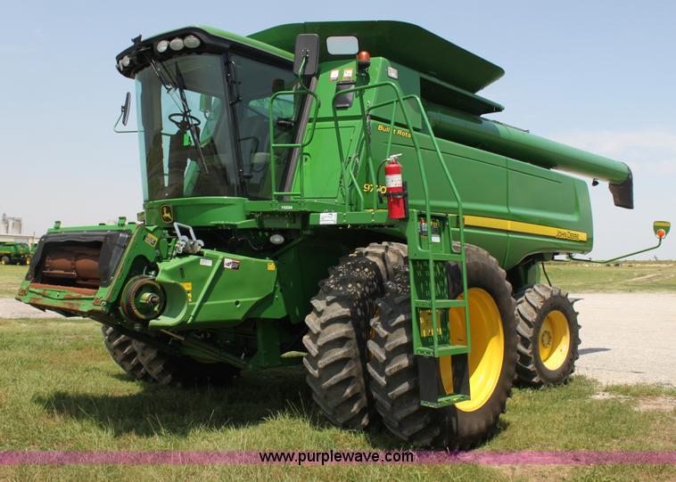 H7445.JPG - 2010 John Deere 9770 STS 2WD combine , 1,687 engine hours on meter , 1,264 separator hours on meter ...