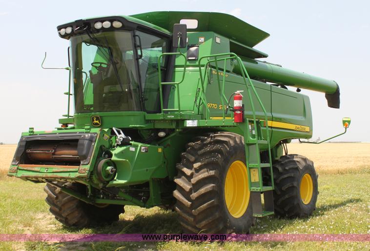 H7446.JPG - 2009 John Deere 9770 STS RWA combine , 2,183 engine hours on meter , 1,504 separator hours on meter ...