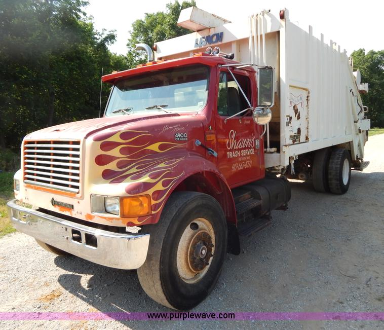 G3265.JPG - 1997 International 4900 refuse truck , 223,514 miles on odometer , 22,194 hours on meter , Internati...