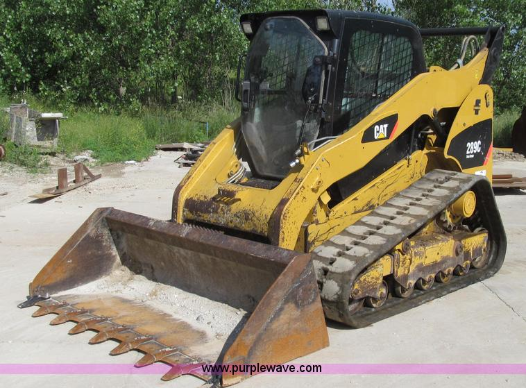 E3996.JPG - 2009 Caterpillar 289C Multi Terrain track skid steer , 3,919 hours on meter , Caterpillar four cylin...