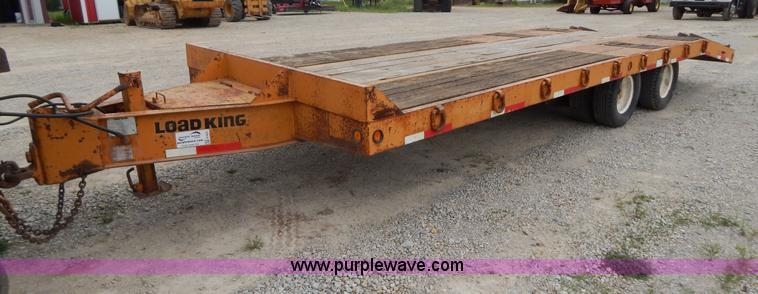 G3201.JPG - 2001 25 tandem axle trailer , Model 102LT , 20L x 8W deck , 3L dovetail , 5L x 6 quot W ramps , D ri...