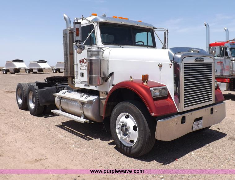 H7011.JPG - 2006 Freightliner Classic semi truck , 409,225 miles on odometer , Mecedes MBE4000 12 8L L6 diesel e...