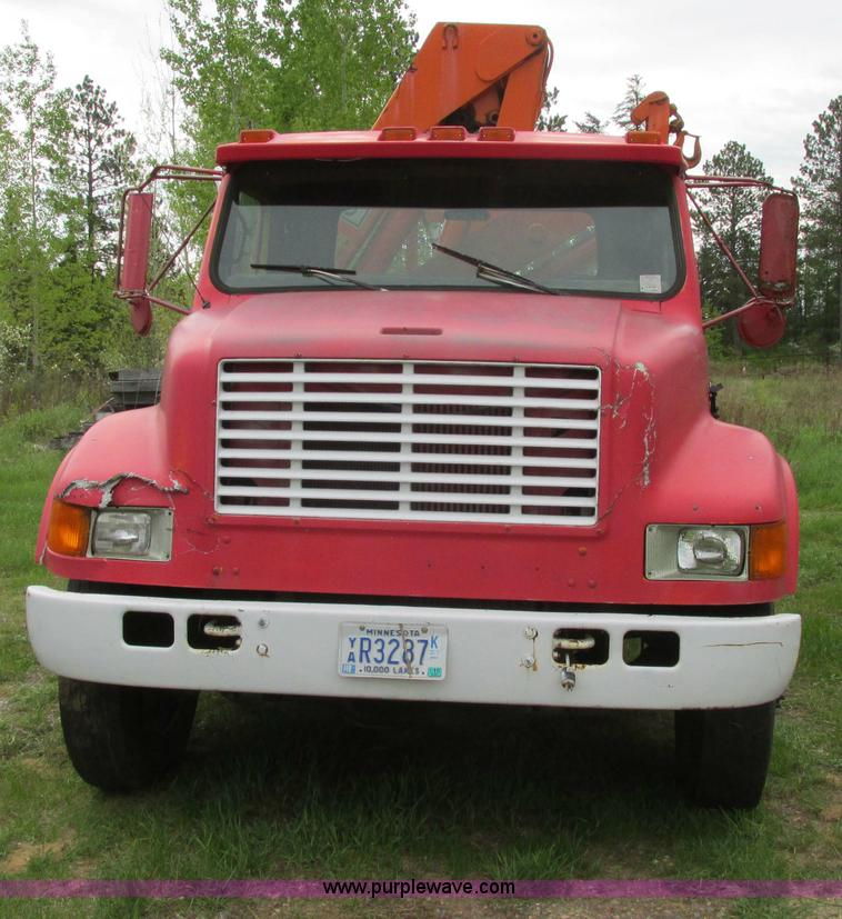 A8535.JPG - 1990 International 4700 boom truck , 116,131 miles on odometer , International DT360 5 9L L6 diesel ...