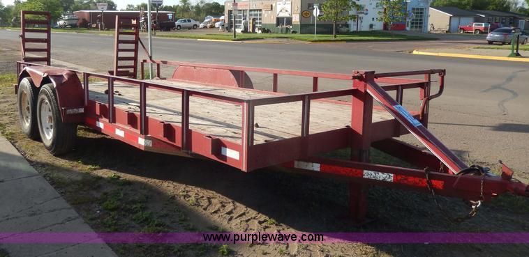 H3101.JPG - 1997 YMS tandem axle trailer , 218 quot L main wood deck , 2L dovetail , 82 quot inside width , 104 ...