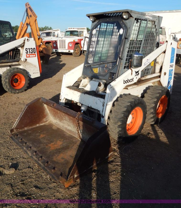 I4490.JPG - 1987 Bobcat 742 skid steer , 809 hours on meter , Ford 1 6L gas engine , Model 2274E , Serial E0155 ...