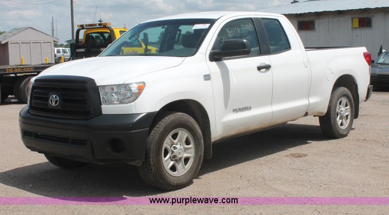 I7957.JPG - 2010 Toyota Tundra SR5 Double Cab pickup truck , 98,374 miles on odometer , 4 6L V8 DOHC 32V gas eng...