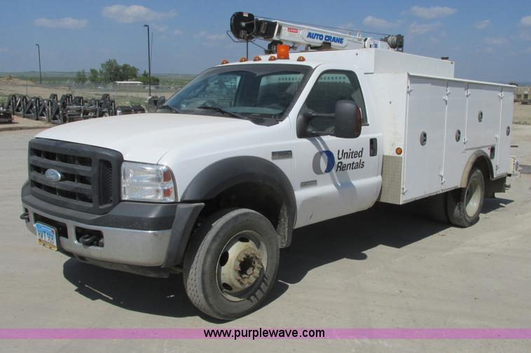 A8575.JPG - 2007 Ford F550 XL Super Duty service truck with crane , 128,046 miles on odometer , 6 0L V8 diesel e...
