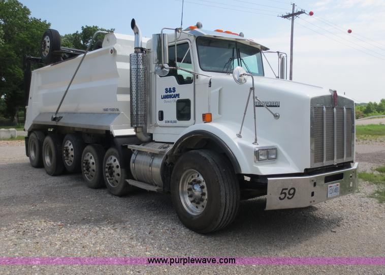 D5980.JPG - 2004 Kenworth T800B Super 18 dump truck , 201,734 miles on odometer , Caterpillar C12 diesel engine ...