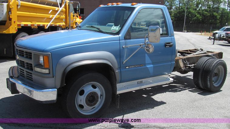 G2024.JPG - 1997 Chevrolet 3500 HD pickup cab and chassis , 156,046 miles on odometer , 6 5L V8 OHV 16V turbo di...