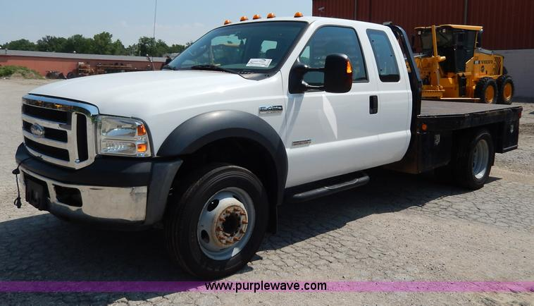 H3032.JPG - 2007 Ford F450 XLT Super Duty flatbed truck , 200,588 miles on odometer , 6 0L V8 OHV 32V turbo dies...
