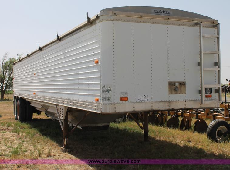 G5730.JPG - 1993 Timpte hopper trailer , Sur Lok rollover tarp , Double gate hopper , 105 quot overall height , ...