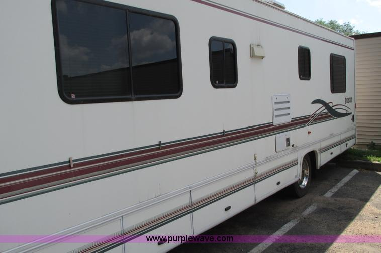 E5176J.JPG - 1997 Georgie Boy MH P30 Pursuit motorhome , 7 4L V8 gas engine , Automatic transmission , AC and hea...