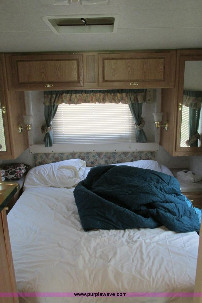E5176ZZO.JPG - 1997 Georgie Boy MH P30 Pursuit motorhome , 7 4L V8 gas engine , Automatic transmission , AC and hea...