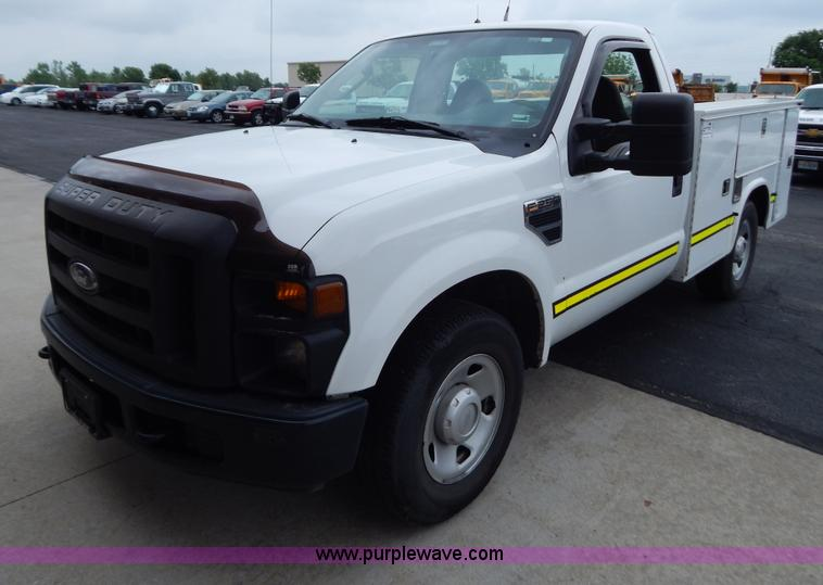G3338.JPG - 2008 Ford F250 utility truck , 235,529 miles on odometer , 5 4L V8 SOHC 16V gas engine , Automatic t...