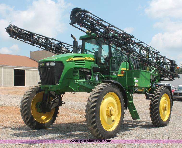 I7879.JPG - 2005 John Deere 4720 self propelled sprayer , 4,490 hours on meter , John Deere 6 8L six cylinder di...