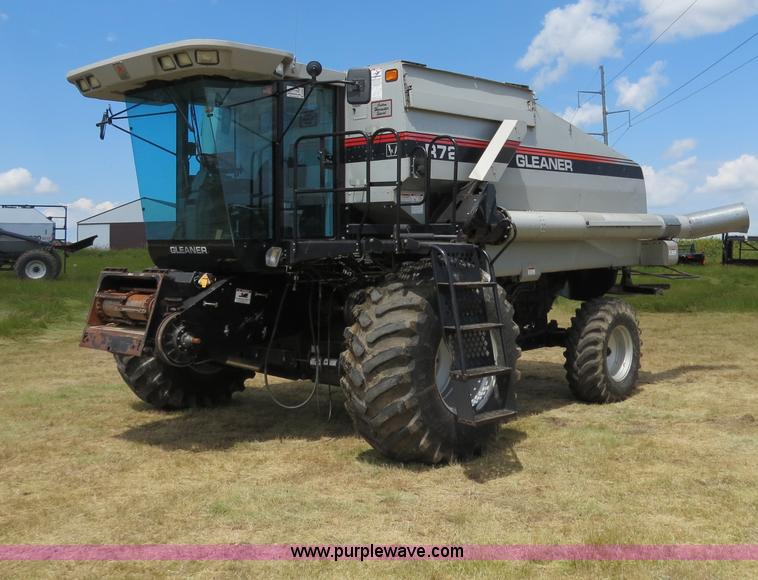 A8589.JPG - 1999 Gleaner R72 combine , 2,918 engine hours on meter , 2,107 separator hours on meter , Cummins M1...
