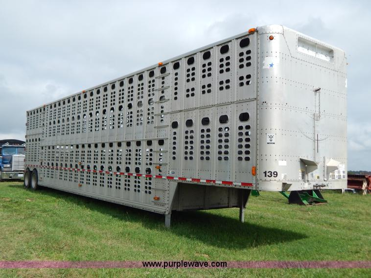 G3340.JPG - 1999 Wilson 52L cattle pot trailer , Model PSDC2 302 , 102 quot W , Double deck , Rear roll up door ...