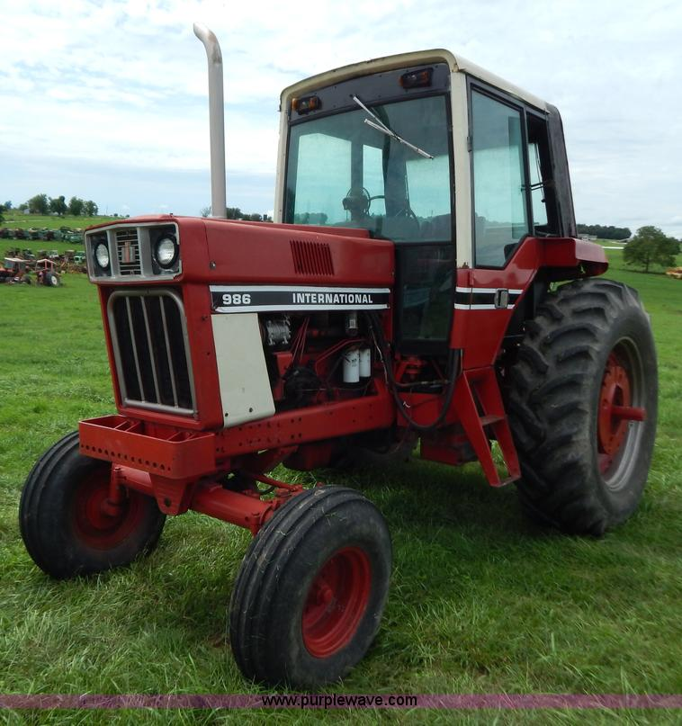 1977 International 986 tractor | no-reserve auction on Wednesday, August 28, 2013