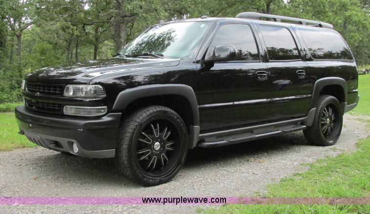 B4795.JPG - 2004 Chevrolet Suburban 1500 Z71 SUV , 172,292 miles on odometer , 5 3L V8 OHV 16V FFV gas engine , ...