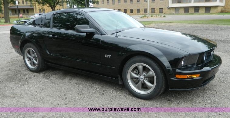 AD9181.JPG - 2005 Ford Mustang GT , 104,448 miles on odometer , 4 6L V8 SOHC 24V gas engine , Five speed manual t...