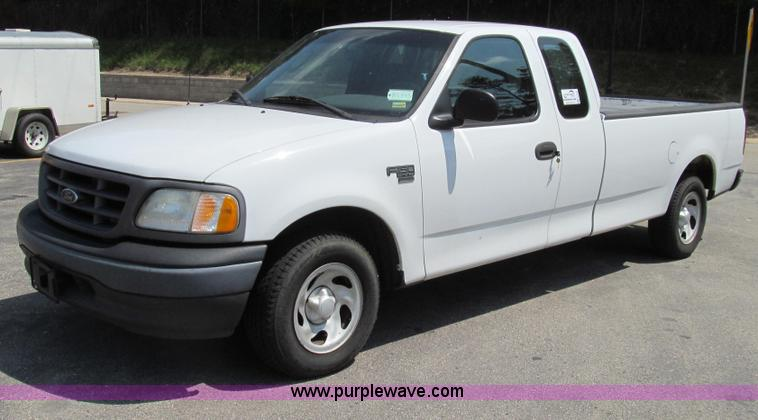 G2083.JPG - 2002 Ford F150 XL SuperCab pickup truck , 159,468 miles on odometer , 4 6L V8 SOHC 16V gas engine , ...