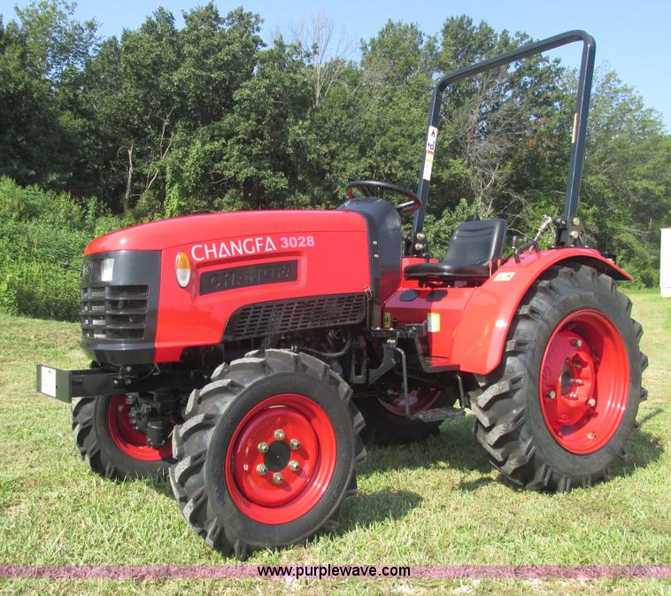 E7339.JPG - 2012 Changfa 3028 MFWD tractor , 0 5 actual hours , Three cylinder direct injection diesel engine , ...