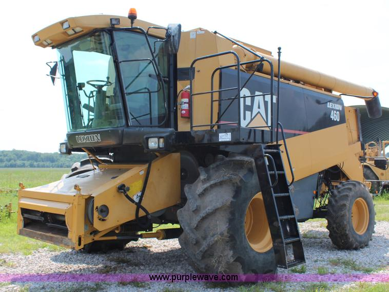H6539.JPG - 1998 Caterpillar Lexion 460 RWA combine , 1,240 engine hours on meter , 843 separator hours on meter...