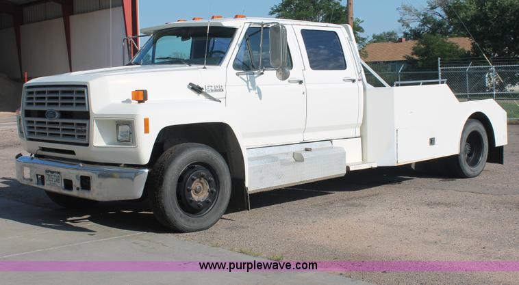 1990 Ford F700 Flatbed Hauler Truck No Reserve Auction