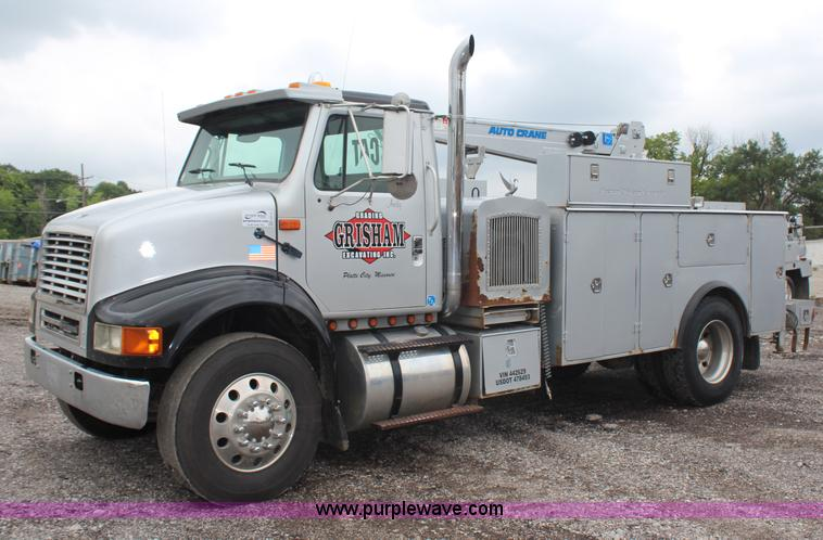 H6710.JPG - 1997 International 8100 service truck , 546,781 miles on odometer , Cummins M11 10 8L L6 diesel engi...