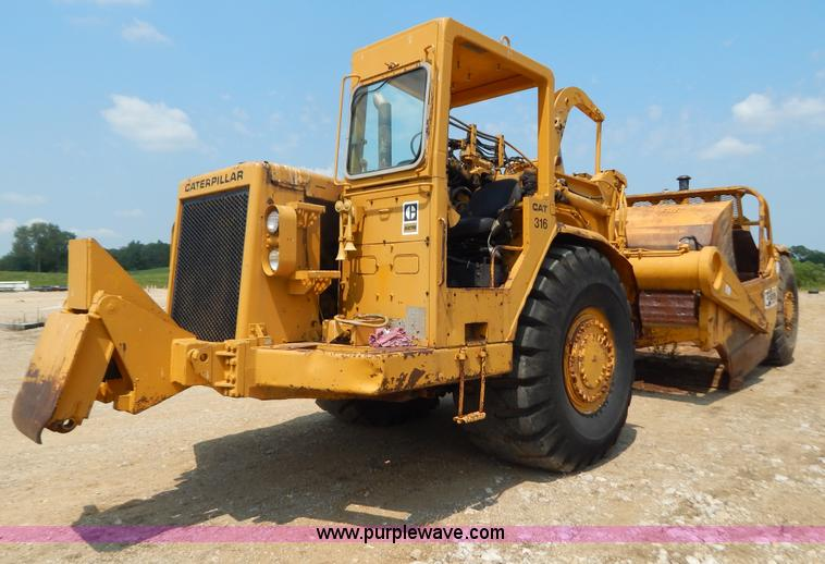 G3416.JPG - 1978 Caterpillar 627B scraper , 3,862 hours on meter , Dual Caterpillar 3306 diesel engines , 8F 1R ...