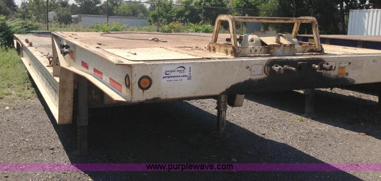 G9247.JPG - 2006 Trail King TK80HT 482 trailer , 9 5L upper deck , 38 5 lower deck , 4 fold out beaver tail , 10...