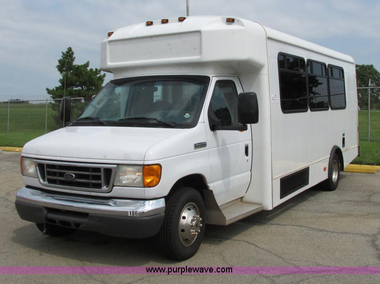 B4791.JPG - 2006 Ford E450 transit vehicle , 132,209 actual miles , 6 0L V8 diesel engine , Automatic transmissi...