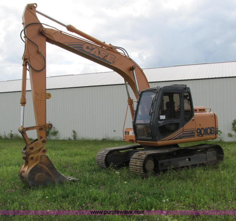 G8952.JPG - 1995 Case 9010B excavator , 443 actual hours , Four cylinder turbo diesel engine , Cab fan , Heat , ...
