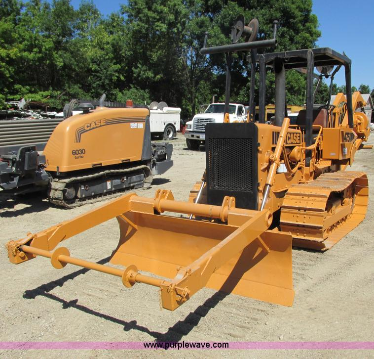 G8974.JPG - Case D475 crawler plow , 1,273 hours on meter , Case 301BD four cylinder diesel engine , Two speed t...
