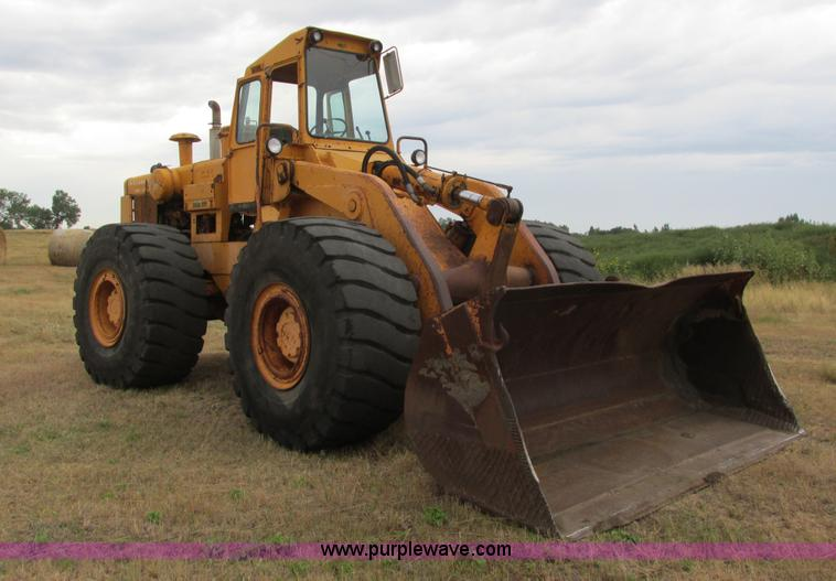 A8642.JPG - International H90E Payloader wheel loader , Gauges inoperable , Cummins 8LL six cylinder diesel engi...