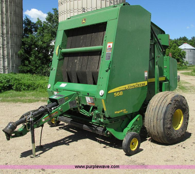 E5174.JPG - 2010 John Deere 568 round baler , 1,893 bales on counter , 5 x 6 bale capacity , Net wrap , 1000 PTO...