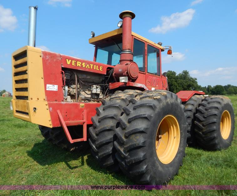 G3430.JPG - 1976 Versatile 900 Series II 4WD tractor , 2,713 hours on meter , Cummins Big Cam six cylinder diese...