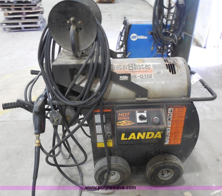 I1486.JPG - Landa hot water pressure washer , Model HQT4 20024A , 3 5 gpm , 2,000 psi , 5 HP , 230V , 25 amps , ...