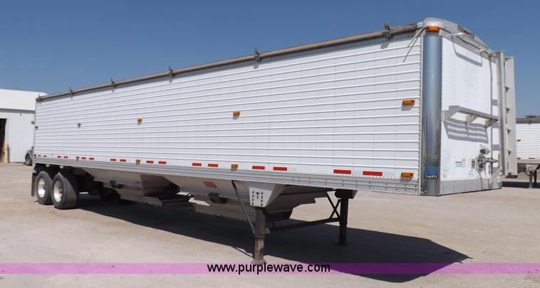 I7596.JPG - 2008 Timpte Super Hopper grain trailer , 423 quot L x 8W x 114 quot H , Two speed dual leg landing g...