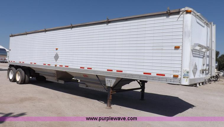 I7597.JPG - 2004 Timpte Super Hopper grain trailer , 423 quot L x 8 5W x 1110 quot H , Two speed dual leg landin...