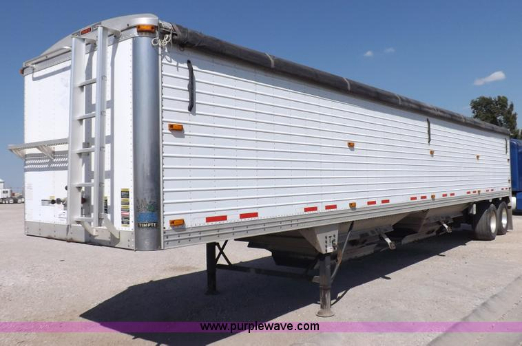 I7598.JPG - 2008 Timpte Super Hopper grain trailer , 423 quot L x 8W x 114 quot H , Two speed dual leg landing g...