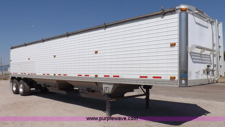 I7599.JPG - 2008 Timpte Super Hopper grain trailer , 423 quot L x 8W x 114 quot H , Two speed dual leg landing g...