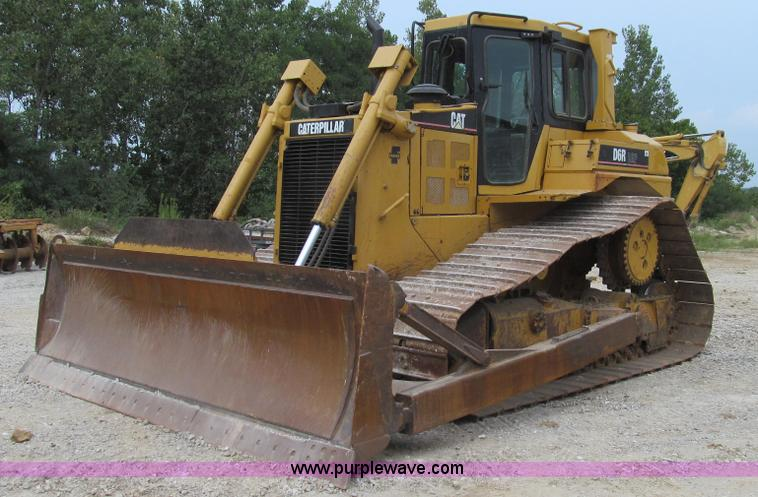G2084.JPG - 2004 Caterpillar D6R DS LGP Series II dozer , 10,907 hours on meter , Caterpillar C9 8 8L six cylind...