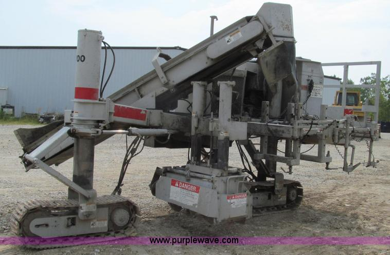 G2086.JPG - 1990 Power Curbers 5700 curb machine , 2,723 hours on meter , Four cylinder diesel engine , Hydrauli...